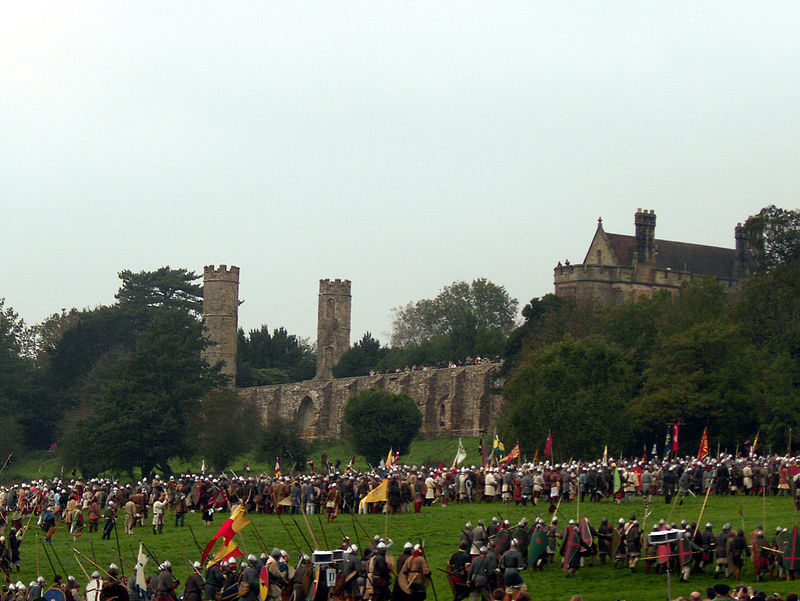 Reenactment in front of Battle Abbey
